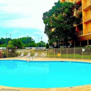 La Quinta Inn And Suites Nashville Airport/opryland