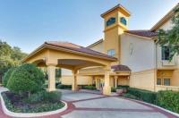 La Quinta Inn And Suites Dallas Addison Galleria Image
