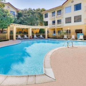 Hotels near Addison Improv - La Quinta Inn & Suites Dallas Addison Galleria