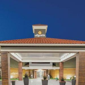 Hotels near Marine Creek Lake - La Quinta Inn & Suites Fort Worth North