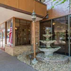 CU Event Center Hotels - Rodeway Inn and Suites Boulder Broker
