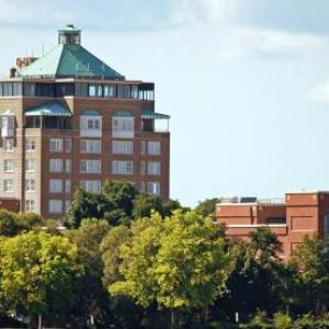 Hotels near City Opera House - Park Place Hotel & Conference Center