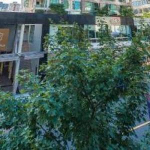 Hotels near MIA Nightclub Vancouver - Carmana Plaza