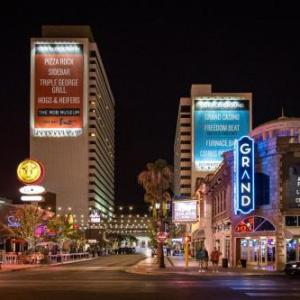 Las Vegas Motor Speedway Hotels - Downtown Grand an Ascend Hotel