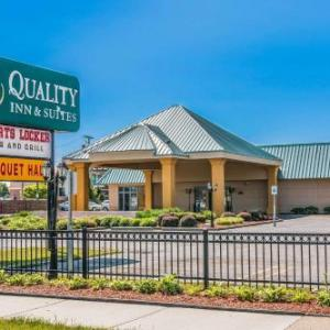 Hotels near The Token Lounge - Quality Inn & Suites Banquet Center