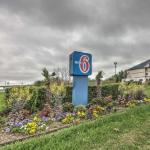 Cowboys Red River Hotels - Motel 6 Dallas Northwest