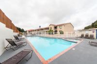 Motel 6 San Antonio - Fiesta Trails Image