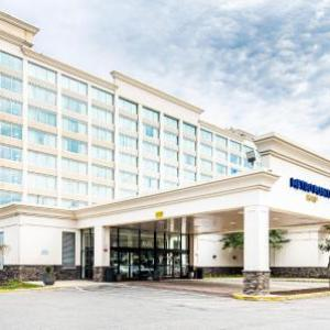 Hotels near Show Place Arena - Metro Points Hotel Washington North