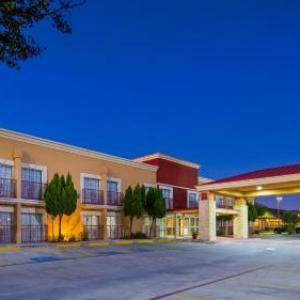 San Antonio Raceway Hotels - Best Western Plus Atrium Inn