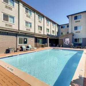 Orangewood Inn and Suites Midtown