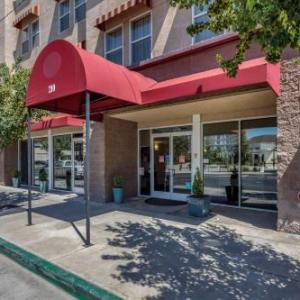College of the Sequoias Theatre Hotels - Comfort Suites Visalia