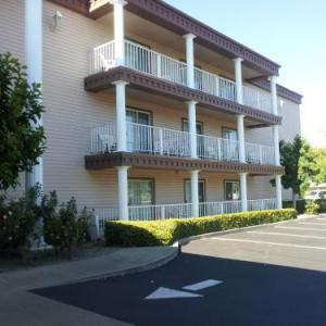 Feather Falls Casino Hotels - Super 8 Oroville
