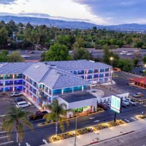 Hotels near Pierce College Woodland Hills - Comfort Inn Woodland Hills
