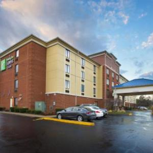 Hotels near Lincoln High School Gahanna - Holiday Inn Express Hotel & Suites Columbus Airport