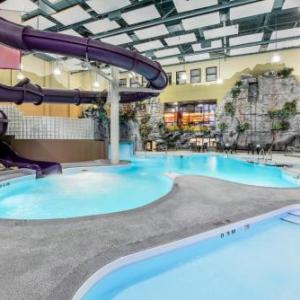 Hotels near Earls Polo Park - Clarion Hotel & Suites