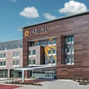 Hotels near QuikTrip Park - La Quinta Inn & Suites Dallas Grand Prairie North