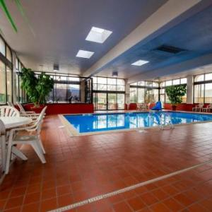 Broadmoor World Arena Hotels - Quality Inn South