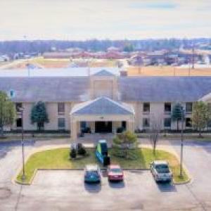Hotels near Missouri University of Science and Technology - Days Inn & Suites by Wyndham Cuba