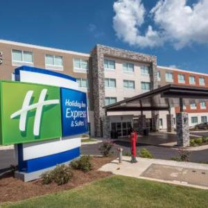 Holiday Inn Express & Suites - Commerce