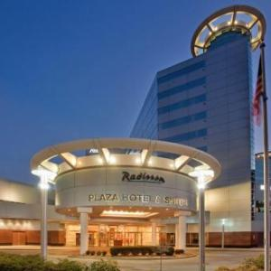 Waldo Stadium Hotels - Radisson Plaza Hotel At Kalamazoo Center