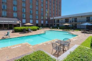 Mcm Elegante Hotel And Suites - Dallas