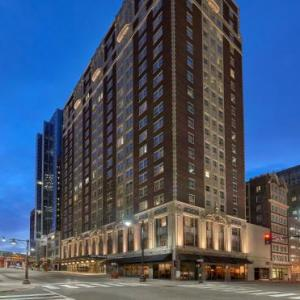 Hotels near Kauffman Center for the Performing Arts - Hotel Phillips Kansas City Curio Collection By Hilton
