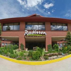 Hotels near Colorado Springs Airport - Radisson Hotel Colorado Springs Airport
