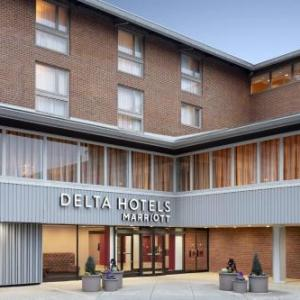 Hotels near Pimlico Race Course - Radisson Hotel Cross Keys Baltimore