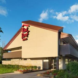 Hotels near Magic Bag - Red Roof Inn Detroit - Warren