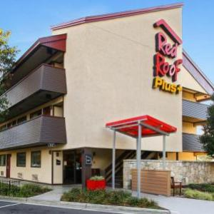 Red Roof Inn PLUS  Statesville