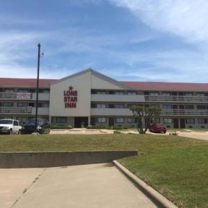 Hotels near R.L. Turner High School - Lone Star Inn