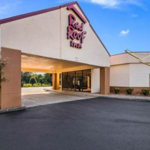 Hotels near The Warehouse Clarksville - Red Roof Inn Clarksville