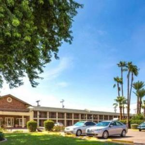 Axis Radius Hotels - Howard Johnson Scottsdale Az