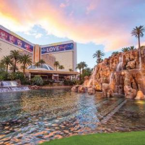 Hotels near Harrah's Las Vegas - The Mirage