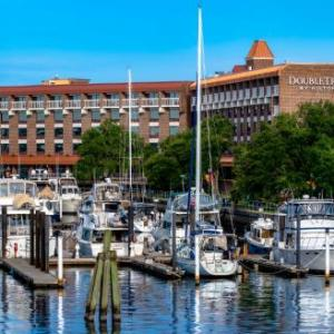 DoubleTree by Hilton New Bern -Riverfront