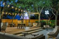 Sheraton Suites Market Center Dallas Image