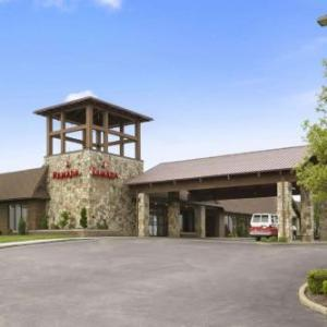 Idlewild and Soakzone Hotels - Ramada Greensburg Hotel And Conference Center