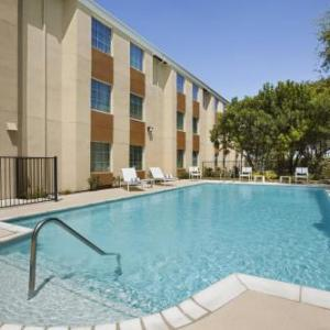 Hotels near Graham Central Station San Antonio - Country Inn & Suites By Radisson San Antonio Medical Center Tx