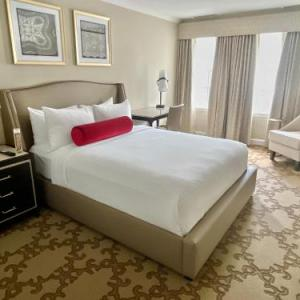 Hotels near Sixth and I Historic Synagogue - Henley Park Hotel