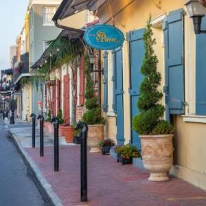 Hotels near New Orleans Fair Grounds - Hotel St. Pierre French Quarter