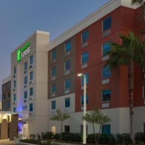 Sunshine Cathedral Hotels - Holiday Inn Express Hotel & Suites Ft. Lauderdale Air/Sea Port