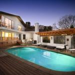 1003 - Hollywood MidCentury Retreat
