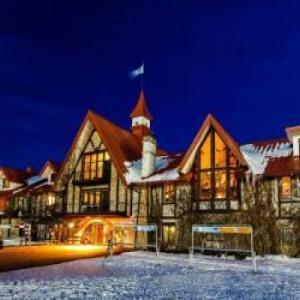 Hotels near Petoskey High School - Boyne Highlands