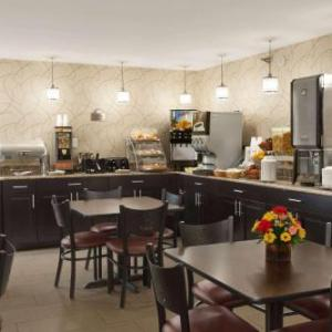 Hotels near Maple Grove Raceway - Days Inn Reading Wyomissing