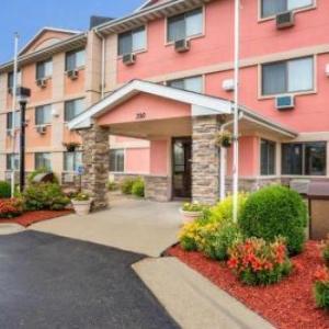 Paramount Theatre Cedar Rapids Hotels - Quality Inn Cedar Rapids South