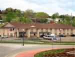 Abilene Kansas Hotels - Express Inn & Suites Junction City