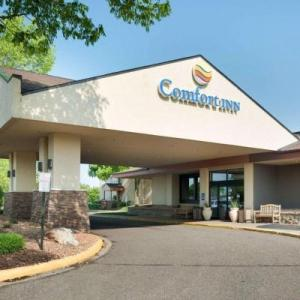Hotels near Plymouth Ice Center - Comfort Inn Plymouth
