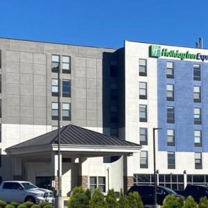 Holiday Inn Express Omaha West - 90th Street an IHG Hotel