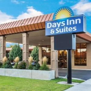 Hotels near Ellen Eccles Theatre - Days Inn & Suites By Wyndham Logan