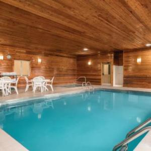 Country Inn & Suites by Radisson Dakota Dunes SD